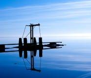 宁静一座桥梁在梦想的蓝色海洋 库存图片