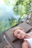 宁静时候自然的池 免版税图库摄影