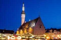 它是与追溯到1441年的一个非常悠久的历史的爱沙尼亚最旧的圣诞节市场 库存照片