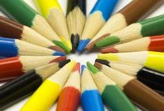 它是很多各种各样的颜色铅笔 免版税库存照片