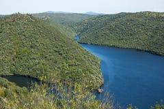 它的国际路线的塔霍河在西班牙和葡萄牙之间 库存照片