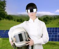 宇航员未来派盔甲太空飞船妇女 免版税库存照片