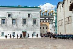 守卫总统克里姆林宫莫斯科的游行 免版税图库摄影
