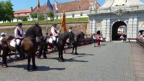 守卫改变的仪式,阿尔巴尤利亚,罗马尼亚 股票视频