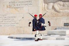 守卫议会,雅典的Evzone 库存照片