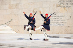 守卫议会,雅典的Evzone 库存图片