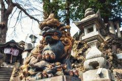 守卫门,成田圣日本之神道教籍寺庙的狮子 免版税图库摄影