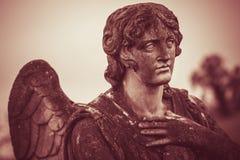 守护天使雕象葡萄酒样式 免版税库存照片