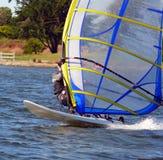 守护程序速度风帆冲浪者 免版税库存照片
