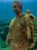 安东尼娅未成年人雕象在Claudio's Ninfeum 水下,考古学 免版税图库摄影