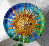 安东尼Gaudi陶瓷天花板马赛克设计 免版税库存图片