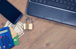安全互联网付款概念 免版税图库摄影