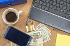 安全和安全网上付款概念 图库摄影