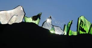 安全墙壁玻璃在农村Robillard,海地 免版税库存照片