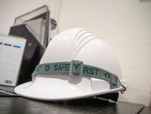 安全帽白色办公室泰国 免版税库存照片