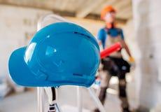安全帽建造场所 免版税库存照片