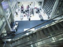 安全检查区域在Suvanaphumi机场 库存照片