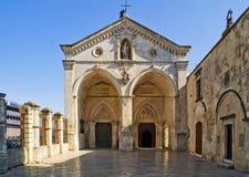 安吉洛belltower意大利monte sant普利亚的圣所 库存图片