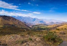 安地斯山的谷,秘鲁视图  库存图片