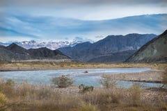 安地斯,在Barreal & Calingasta之间的路的,圣胡安省,阿根廷 免版税图库摄影