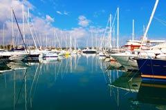 安地比斯,法国- 2011年10月17日:安地比斯港在地中海的 库存图片