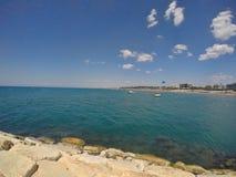 安塔利亚避暑胜地海滩 免版税库存照片