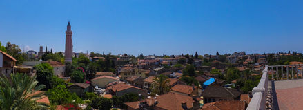安塔利亚,土耳其, 2014年6月15日:对老城市的全景和 免版税库存照片