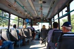 安塔利亚,土耳其- 2012年8月8日,从公共汽车里边的看法有乘客的  2012年8月8日在安塔利亚,土耳其 免版税图库摄影