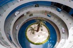 安塔利亚,土耳其- 2014年6月19日 在入口的圆楼梯对Oceanarium -一最大在世界 库存照片