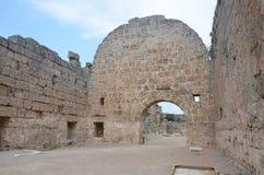 安塔利亚Perge古城、集市、古老罗马帝国、壮观的柱子和历史 库存图片