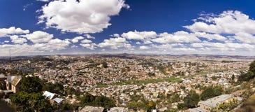 安塔那那利佛市,马达加斯加首都全景  库存图片
