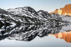 安塞尔亚当斯Wilderness高山湖风景 免版税库存图片