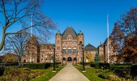 安大略省省议会在女王位于了停放-多伦多,安大略,加拿大 免版税库存图片