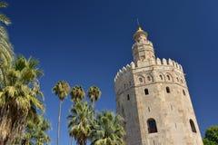 安大路西亚塞维利亚西班牙 Torre del oro,阿拉伯中世纪防御塔 免版税库存图片