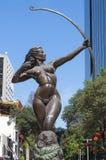 戴安娜猎人古铜雕象在墨西哥城 库存照片