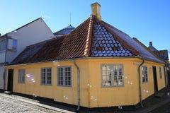 安徒生出生地在菲英岛海岛,丹麦上的欧登塞 免版税库存照片