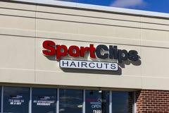 安徒生-大约2016年10月:体育截去购物中心理发地点 SportClips提供以体育为主题的经验我 免版税库存图片