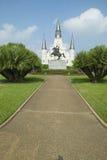 安德鲁・约翰逊雕象&圣路易斯大教堂,杰克逊广场在新奥尔良,路易斯安那 免版税库存图片