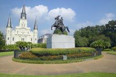安德鲁・约翰逊雕象&圣路易斯大教堂,杰克逊广场在新奥尔良,路易斯安那 图库摄影