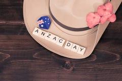 安扎克军队有澳大利亚旗子的宽边软帽 图库摄影