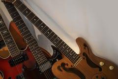 安排四把吉他 库存照片
