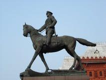 安排红场的茹科夫的纪念碑 免版税库存图片