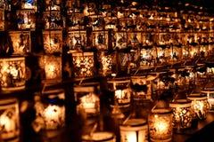 安排销售蜡烛台 免版税图库摄影