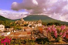安提瓜岛教会弗朗西斯科・危地马拉&# 图库摄影