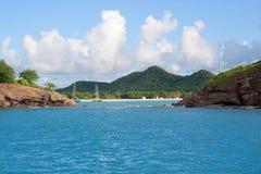 安提瓜岛的海岸 免版税库存图片