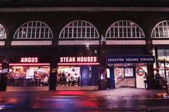 安格斯牛排在莱斯特广场驻地附近安置餐馆 免版税库存照片