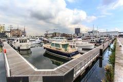 安特卫普与小游艇船坞港口的港区看法  库存图片