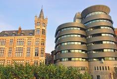安特卫普,比利时老和现代建筑学  免版税库存图片