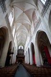 安特卫普,比利时- 2011年6月19日:我们的夫人大教堂的内部  免版税图库摄影