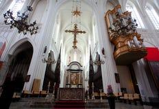 安特卫普,比利时- 2011年6月19日:我们的夫人大教堂的内部  免版税库存照片
